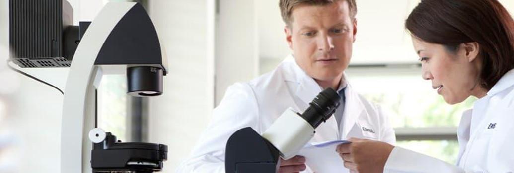 Microscopía y lámparas quirúrgicas sin reflector